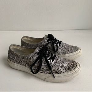 Vans classic with pattern sneakers size 7
